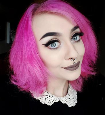 lys rosa hårfarge