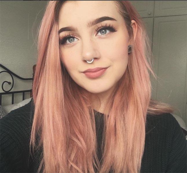 rosa striper i håret